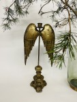 Kerzenständer mit goldenen Flügeln hängend auf barockem Sockel  1