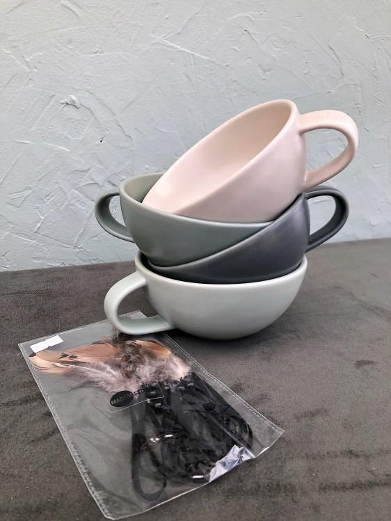 """""""Guten Morgen"""" 4 Cappuccino Tassen, Federn zum Hängen"""