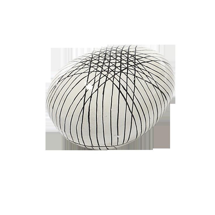 Pappmache-Ei creme, schwarz gestreift 13 x 10 x 8 cm